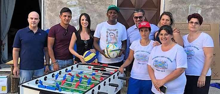 Le Acli di Catania donano i giochi all'oratorio